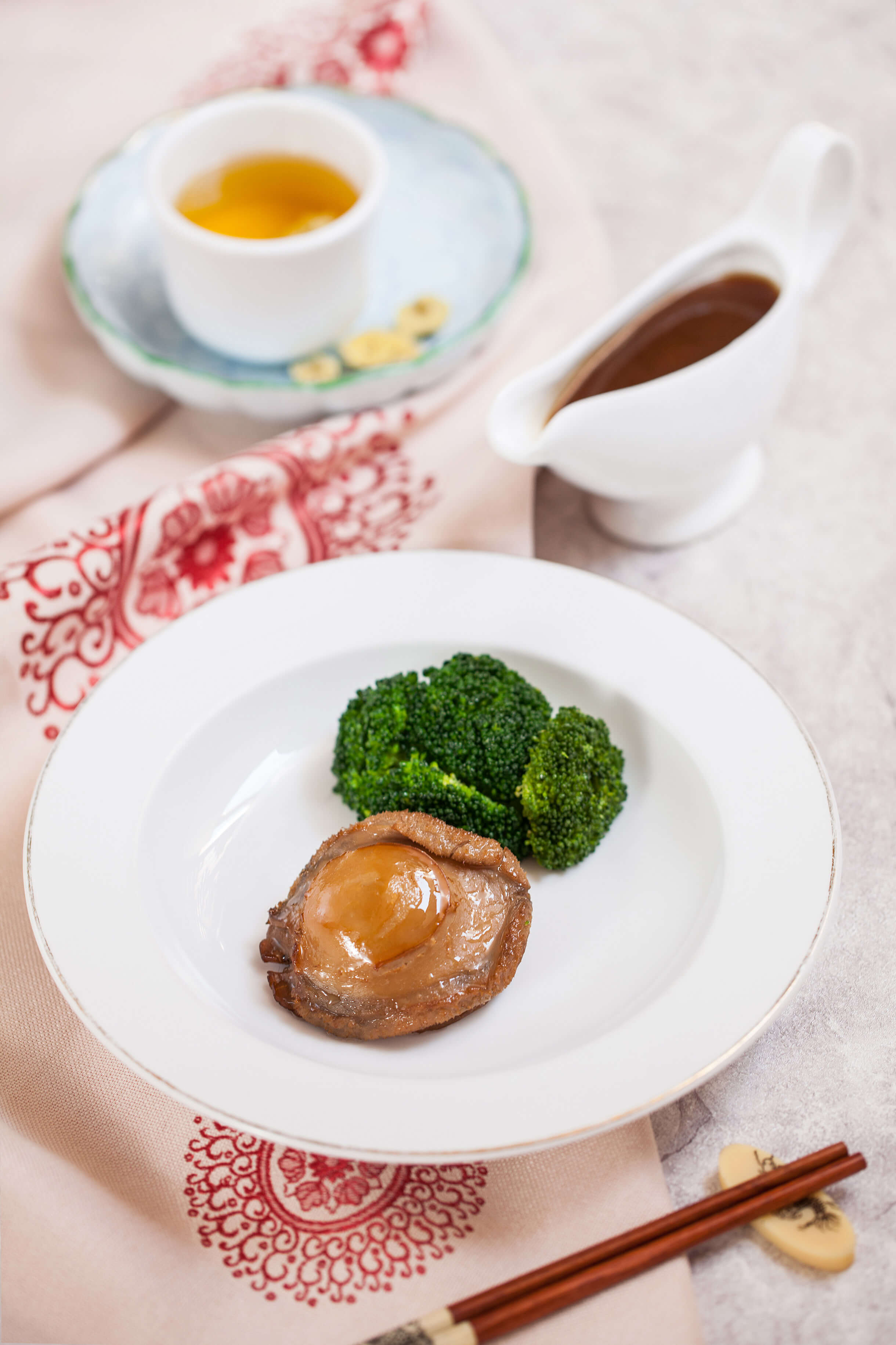 Abalone with broccoli